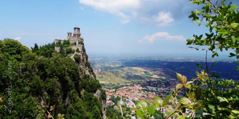 How to find a job in san marino eu and non eu citizens for Flights to san marino italy