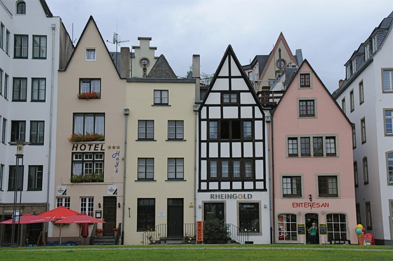 stay in cologne altstadt
