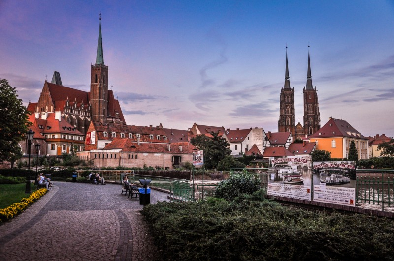 best areas to stay in wroclaw