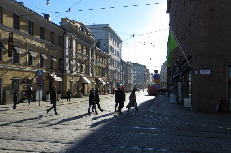 average minimum salary in helsinki finland