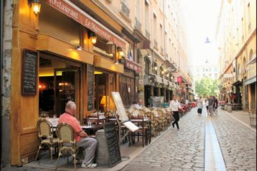 where to stay in lyon