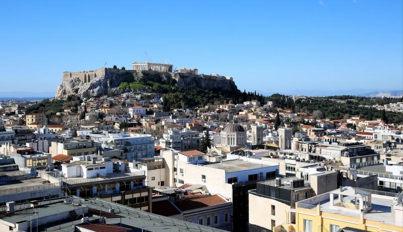 average minimum salary athens greece