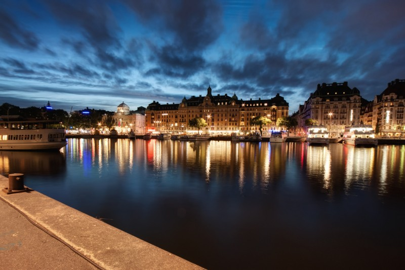 average minimum salary in Stockholm, Sweden