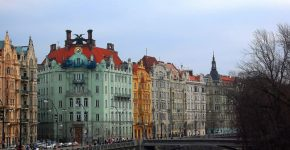 averague minimum salary in Prague Czech Republic