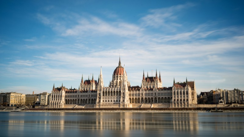 Average and Minimum Salary in Budapest, Hungary - Check in Price