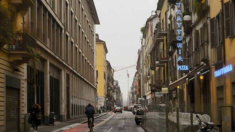 where to stay in turin italy