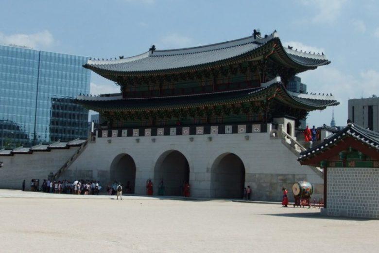average minimum salary seoul south korea