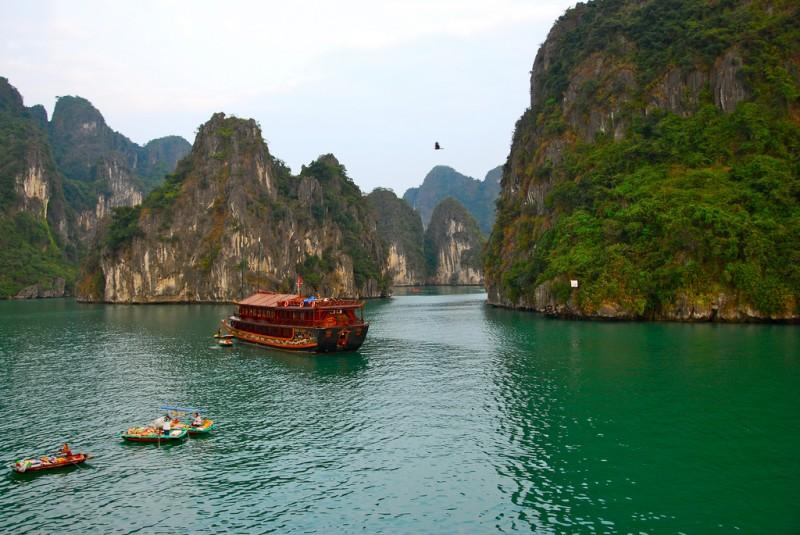 vietnam beach ha long bay
