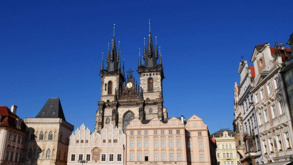Cost of living in prague czech republic check in price for Cost of living in iowa