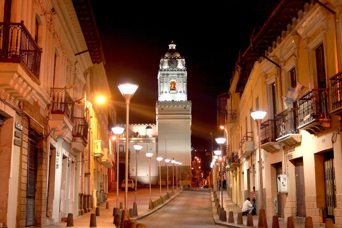 where to stay in quito ecuador
