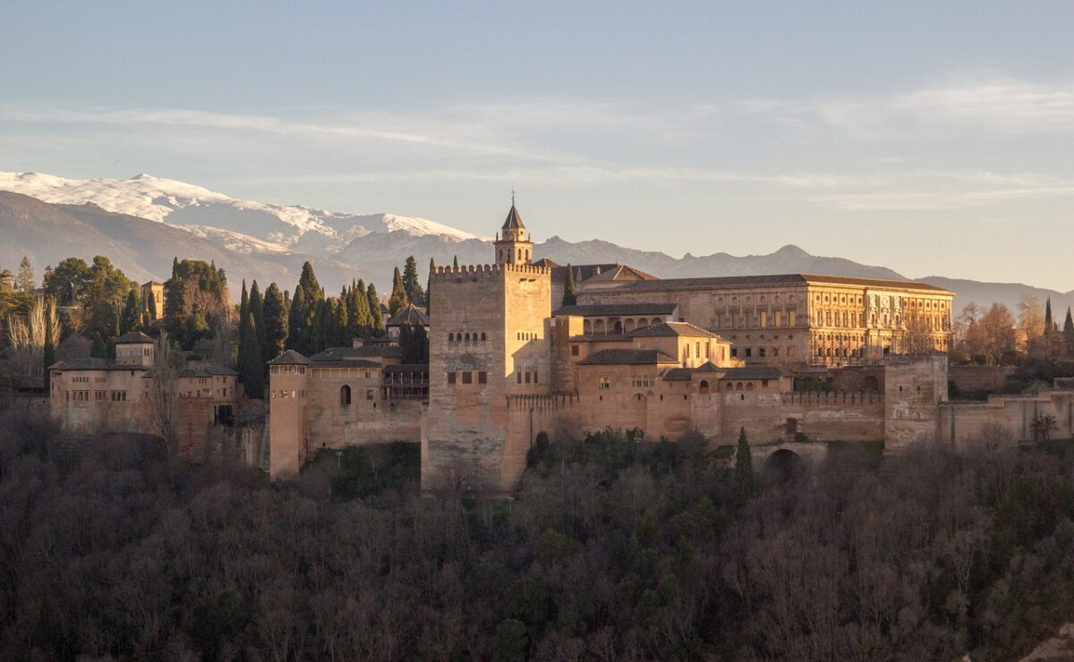 where to stay in granada alhambra