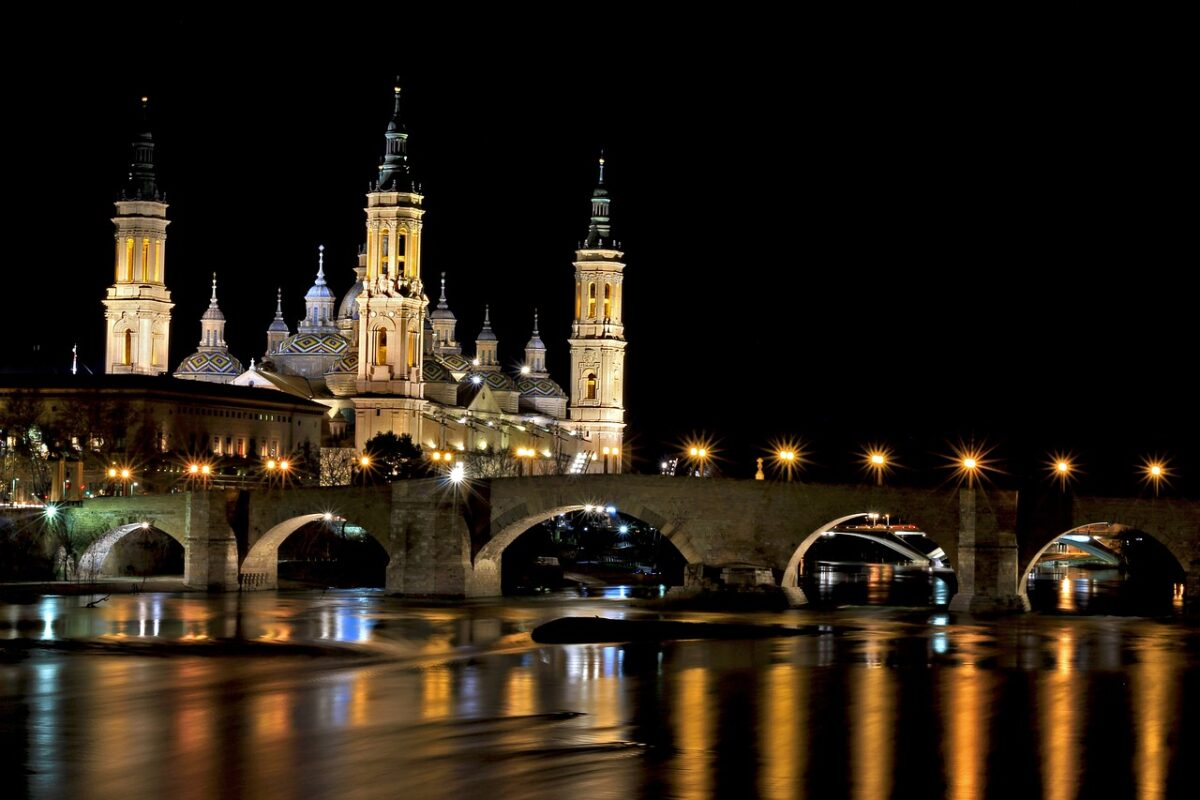 where to stay in zaragoza